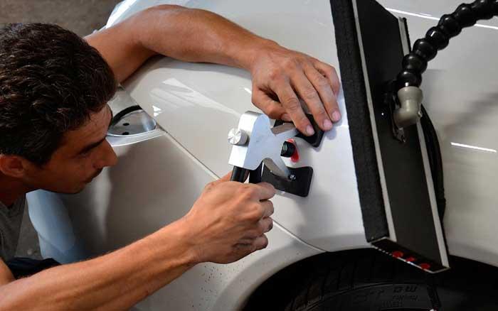 Самостоятельное удаление вмятин и царапин с кузова автомобиля