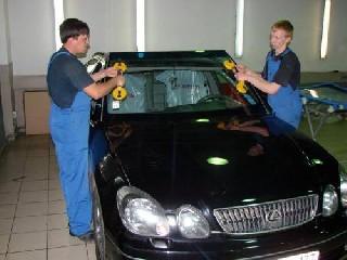 Заміна лобового скла автомобіля 3-sola