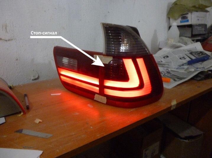 Как заменить стекло задних фонарей автомобиля